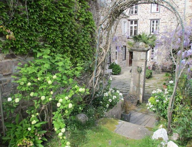 chambre d'hôtes authentique proche Paimpol - Pontrieux - ที่พักพร้อมอาหารเช้า