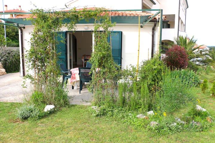 Ferienwohnung Bordeaux mit Terrasse