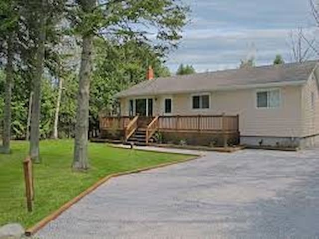 Room for rent by lake simcoe, sibbalds point.