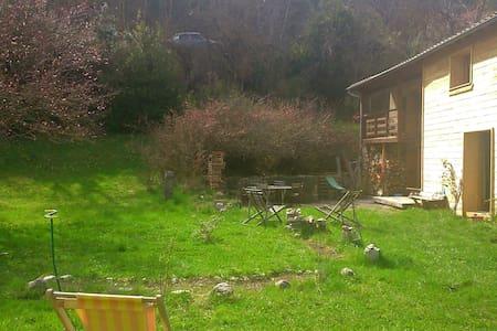 Maison avec jardin à louer, Drôme. - Beaumont en diois