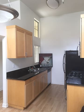 Well kept apartment with amenities - Los Angeles - Apartemen