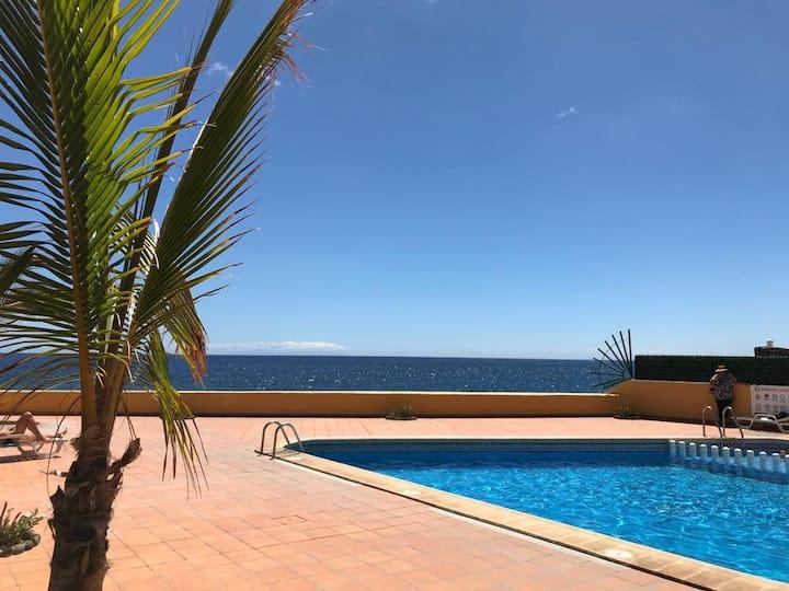 Holyday / swimming pool ocean view / 14B