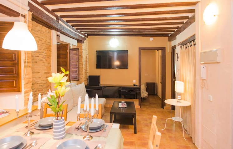III Historic City-Toledo Heritage  WIFI A/C Park - Toledo - Apartment