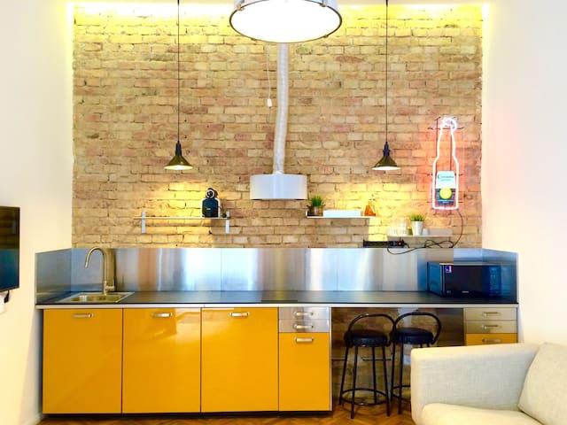 Soft industrial loft studio @Opera - Budapest - Loft
