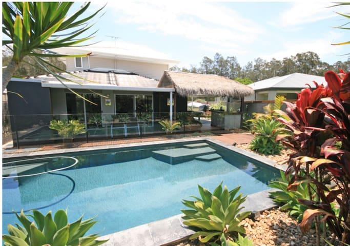Large Modern Tropical Oasis - Pottsville - Haus