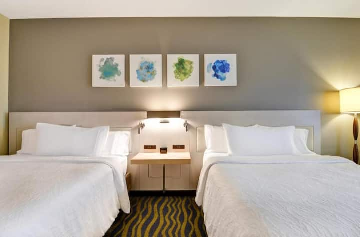 One Bedroom two Queen Beds at Lake Buena