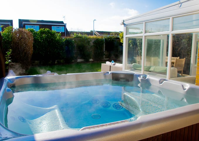 Botany Bay House with Hot Tub