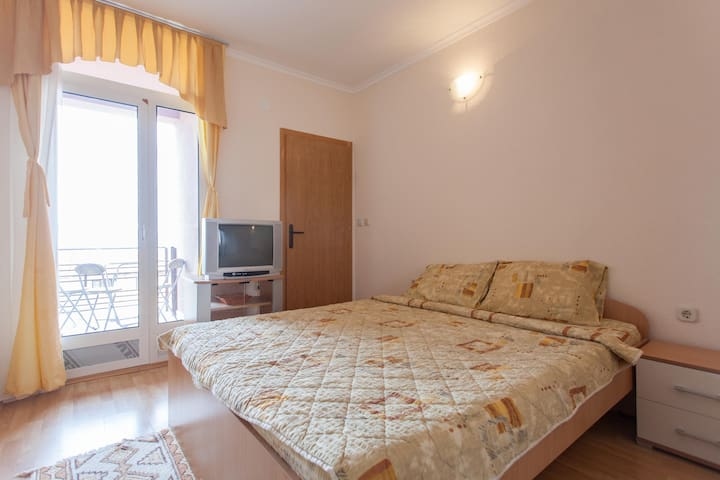 Villa Majda - triple room - Peshtani - House