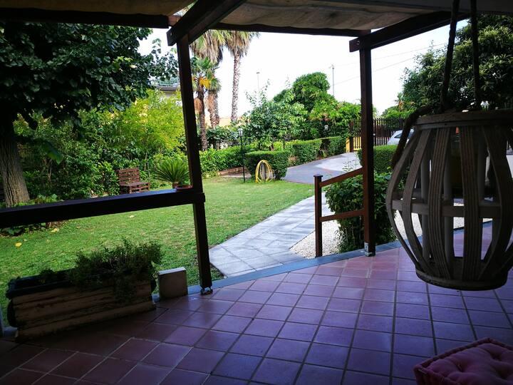 """Villa """"Il Tiglio"""" live on Etna"""