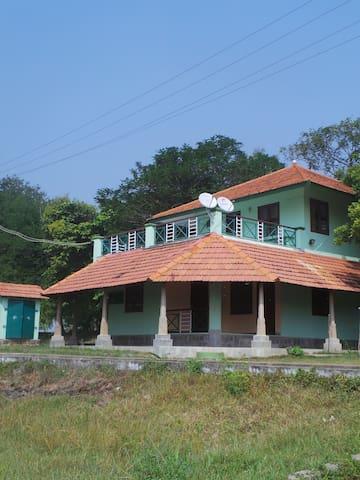 Tranquille Lakeshore Villa Pondicherry - Puducherry - Villa