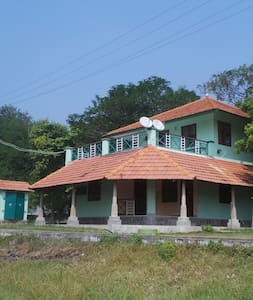 Tranquille Lakeshore Villa - Puducherry