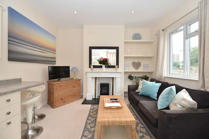 Beautiful 2 bed Fulham apartment
