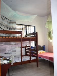 Dorms 5 USD per night