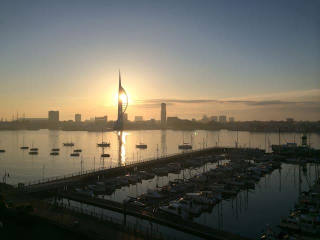 Breathtaking Harbour/Solent view Rm - Gosport