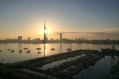 Breathtaking Harbour/Solent view Rm - Gosport - Apartamento