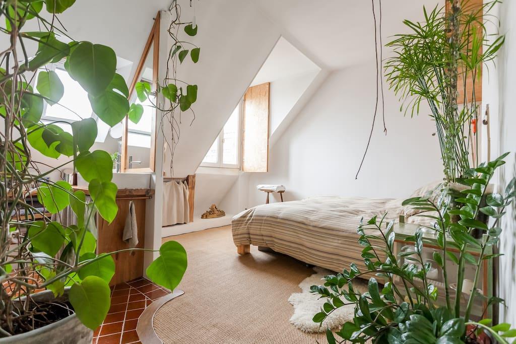 Espace atypique rue oberkampf appartements louer for Location appartement atypique paris