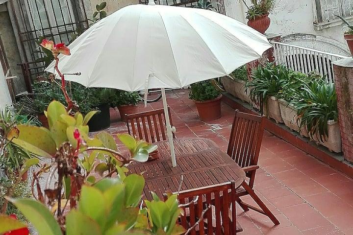 Casaocosa Centro Storico Con Grande Terrazzo Condomini In Affitto A Napoli Campania Italia