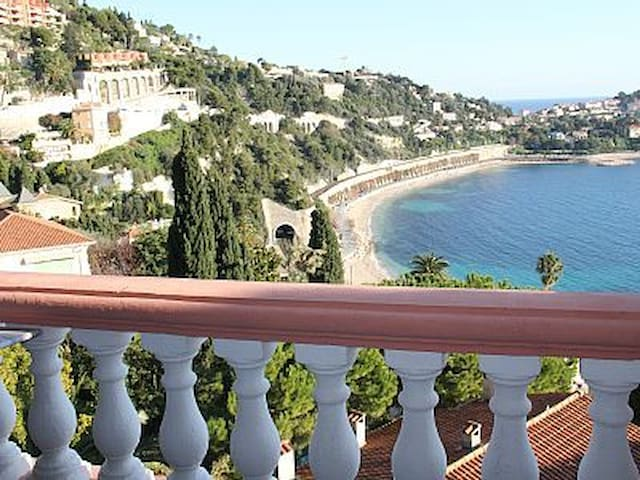 This is your amazing view from your terrasse of the Little paradise apartment in Villa Escabelle Villefranche sur Mer France