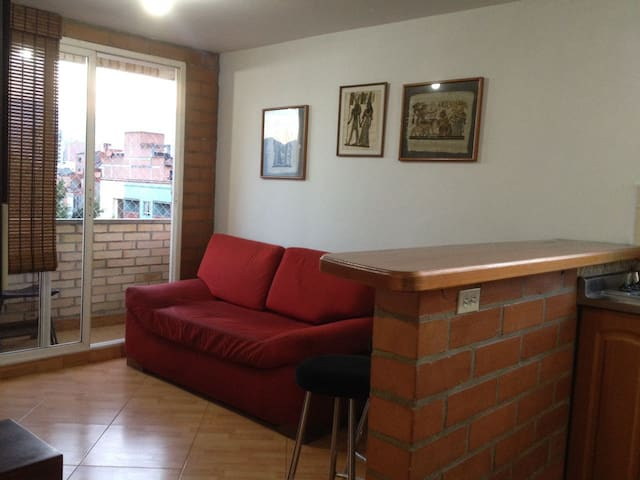 Great apart-studio excellent Location! good price - Medellin - Apartament