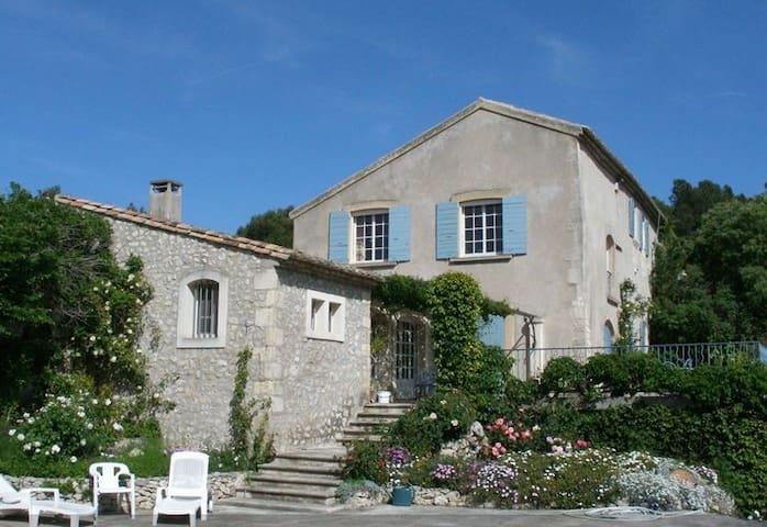 Lovely XVI Century Mas in Provence - Les Baux-de-Provence