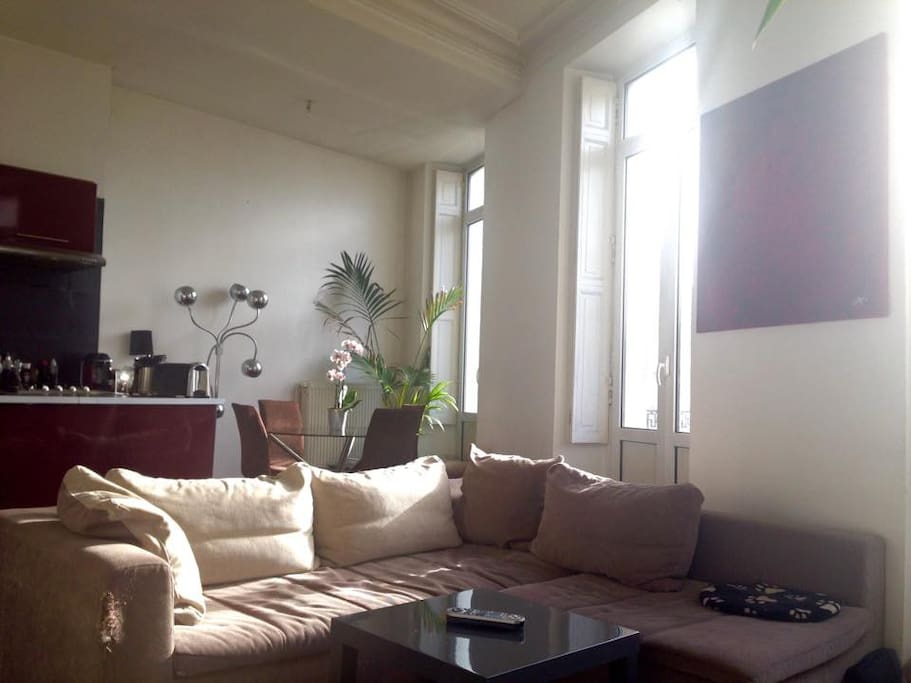 T2 balcon jardin public chartron appartements louer for Location appartement jardin bordeaux