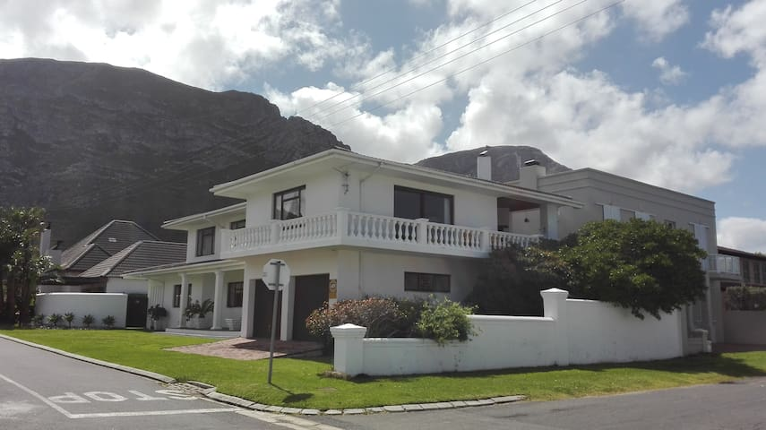 10 on 3rd Avenue - Hermanus