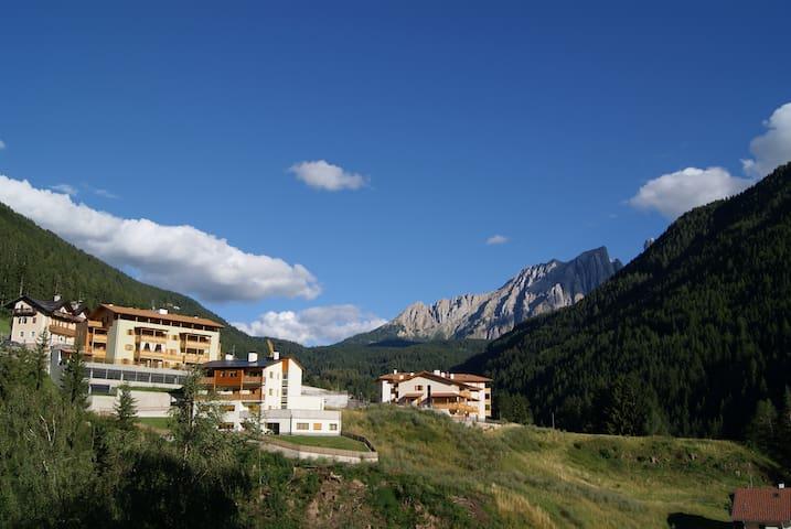 Appartamento tra le Dolomiti - Nova Levante - อพาร์ทเมนท์
