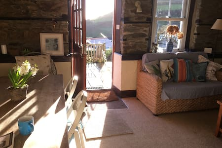 Sea and hillside views - sunny Cornwall cottage - Gorran Haven