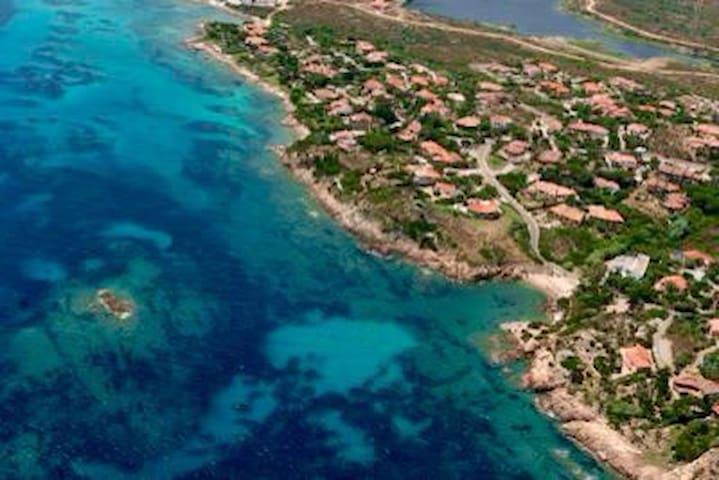 Villa a 200mt dalla spiaggia +barca - Villaggio Piras