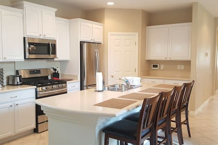 Beautiful family house, 3br +loft, entire house