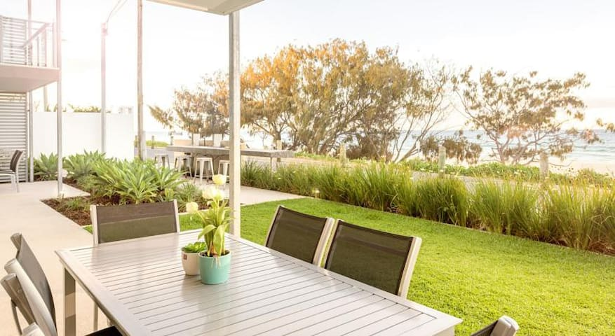 2 Bed Beachfront Tugun - Unit 1 - Bilinga - Apartment