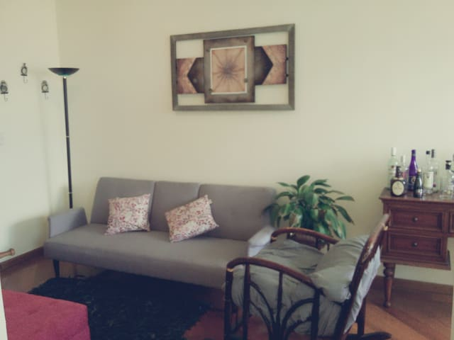Great 1BD*BEST LOCATION*MODERN*WIFI* 24/7SECURITY - Quito - Apartment
