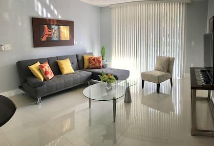 1 BR/ 1 Bath Apartment - Modern & Cozy - 彭布罗克派恩斯(Pembroke Pines) - 公寓