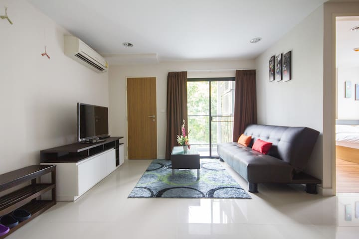 HUGE/NEW 50-sqm ONE-BED FLAT (ZP#1) - Bangkok - Apartment