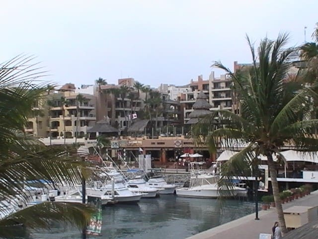 Marina Cabo Plaza -Best Location on marina!