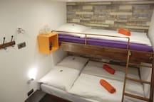 #11 sleep box, small, smart, cozy! best area Fhain