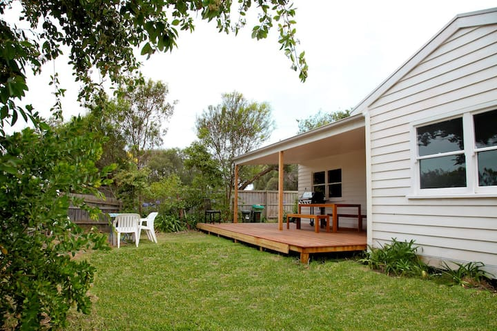Sorrento Beach Cottage 1 - Perfect Location