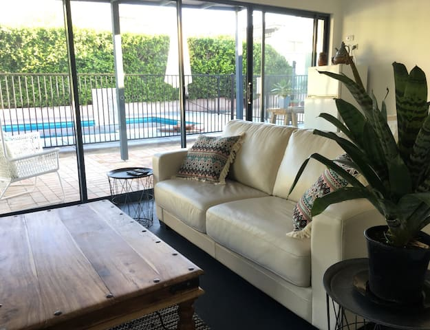 Tasteful Spacious Bed/ Living Room by the Pool