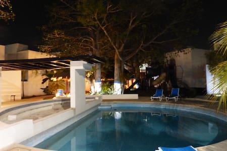 Habitación privada con baño en Residencial - Ciudad del Carmen - Hus