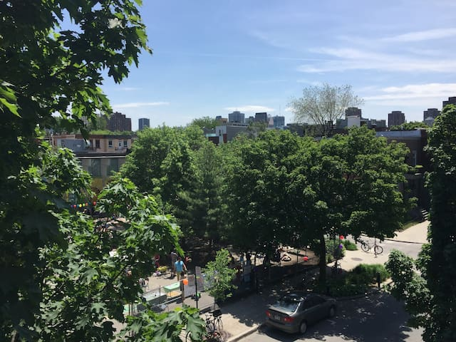 1 bedroom in the Plateau, Center of Montreal