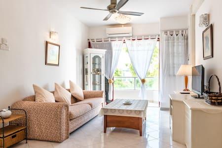 Cozy 3BR Apartment in Gurney Drive - Jelutong - Huoneisto
