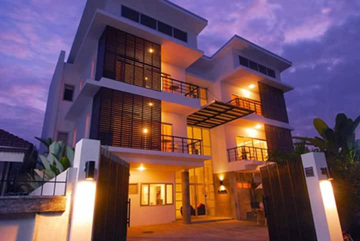 Studio 99 Serviced Apartments - 1BD