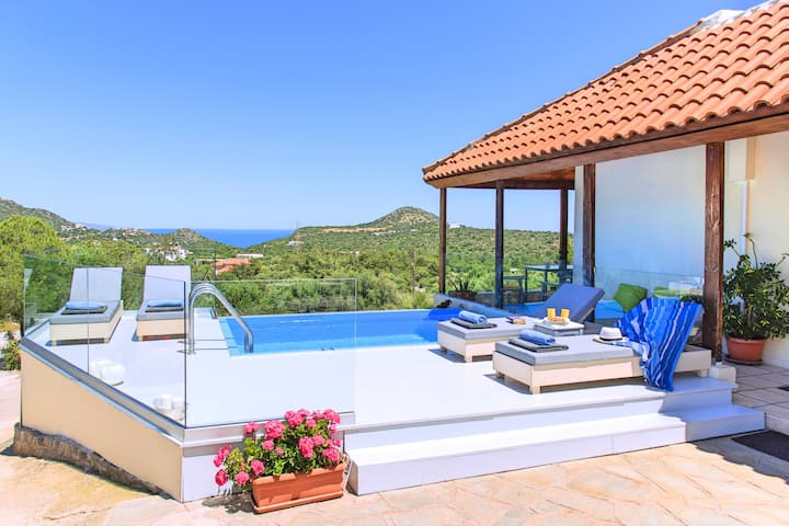 Olive Green Villa Heated Pool