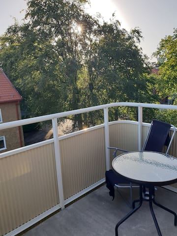 Top floor 2 BR apartment on 70 sq.m. with balcony