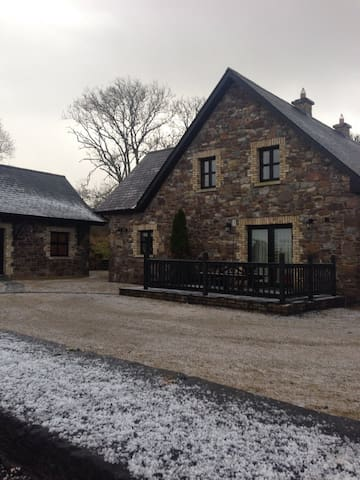 Amazing Modern Stone Cottage B&B