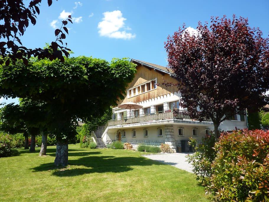 Lac d 39 annecy maison familiale maisons louer annecy for Annecy maison a louer