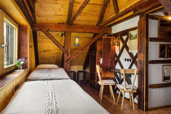 Sleeping room 2
