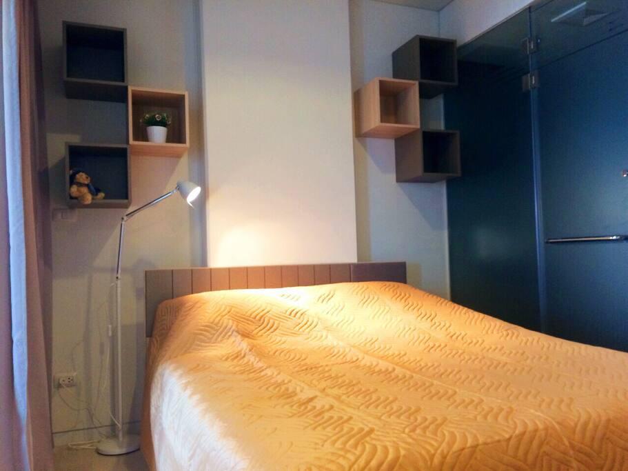 5' Bedroom.