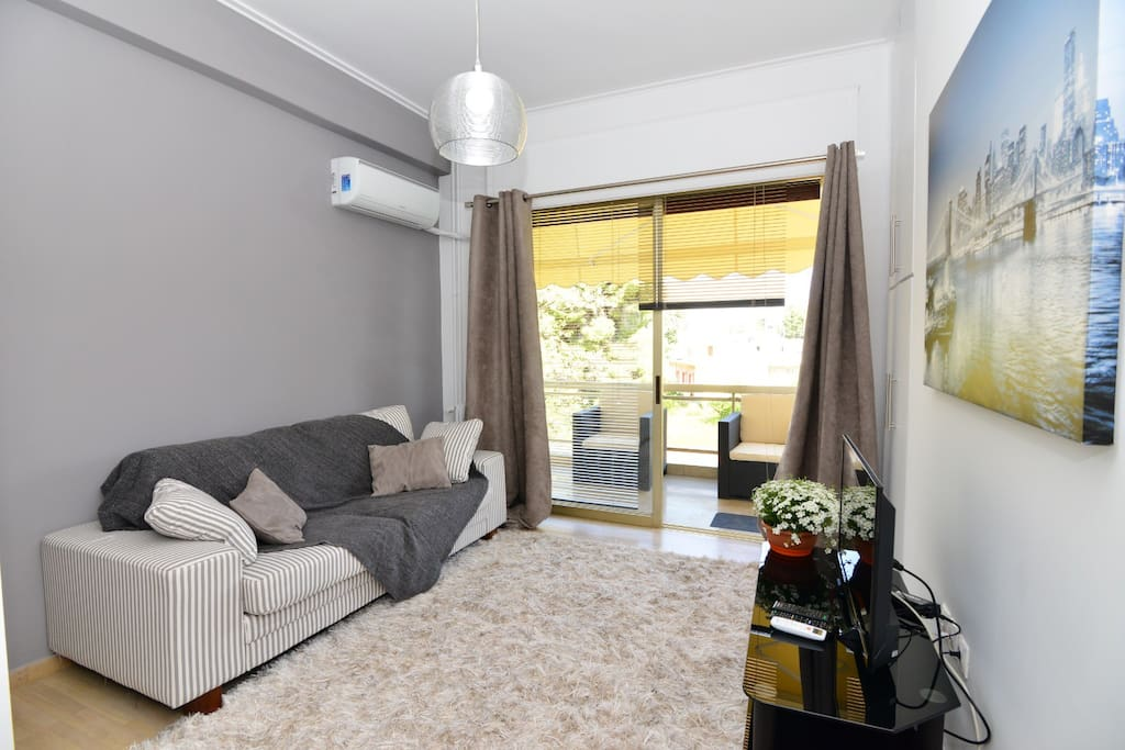 According to availability , decoration of the apartment may differ slightly from the photos