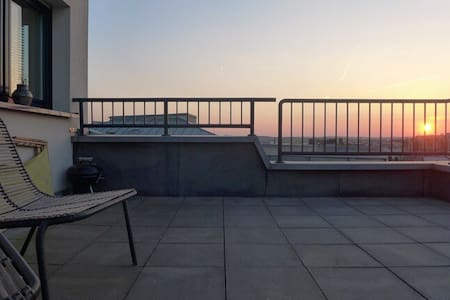 Central penthouse with top view ! - Luxembourg - Huoneisto